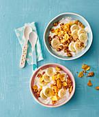 Banana yogurt with crispy flakes