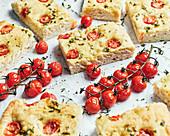 Italienische Focaccia mit Tomaten
