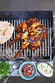 BBQ-Huhn auf Grillrost