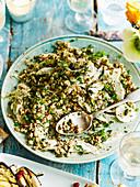 Getreidesalat mit Fenchel und eingemachter Zitrone