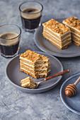 Honey layer cake