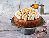 Pumpernickel cake with cinnamon whipped cream