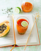 A papaya smoothie with lime