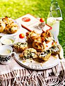 Sommerliche Kräuter-Feta-Pies