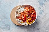 Ein-Blech-Hähnchen mit Reis