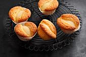 Mini pear cakes