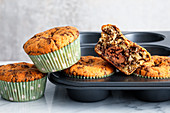 Eggnog muffins with grated chocolate