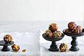 Vegane Haselnuss-Nougat-Balls