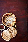 Schweinefleisch-Garnelen-Dumplings aus dem Dampfkörbchen