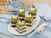 Poppyseed cream slices with pistachios