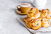 Yeast knot buns for breakfast
