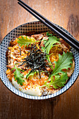 Japanese rice bowl with meat and seaweed