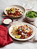 Chili Con Carne mit Reis und Joghurtsauce