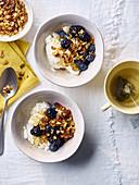 Ahornsirup-Granola mit Bircher Müsli