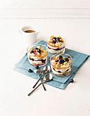 Blueberry trifle with vanilla paste, shortbread and caramel sauce