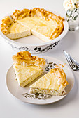 Vanilla cottage cheesecake in phyllo pastry shell