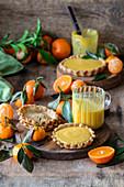Torteletts mit Mandarinen-Curd