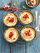 Red and white currant tartlets