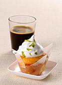 Muffin with lemon cream
