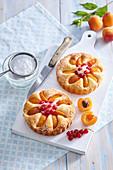Mini Apricot and Yoghurt Cakes