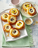 Small yeast cakes with custard