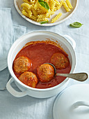 Tomato sauce with meat balls