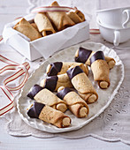 Nut tubes with cream