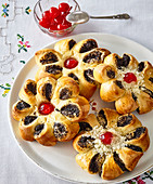 Poppy seed pastries (flowers)