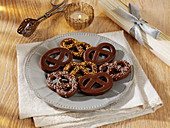 Gingerbread pretzels with chocolate icing