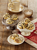 White Giotto cookies