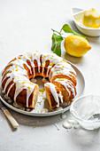 Lemon Drizzle Cake mit Zitronenglasur