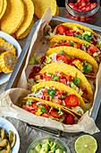 Hühnchen-Gemüse-Tacos