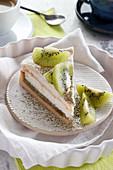 Kiwi tart with meringue and matcha tea