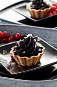Tartlet with chocolate jelly