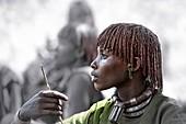 Side profile of Hamar woman