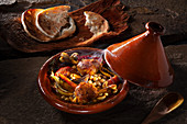 Tajine with chicken legs and vegetables (Morocco)