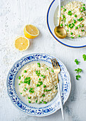Lemon risotto with peas