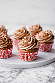 Cupcakes mit heller Schokoladencreme