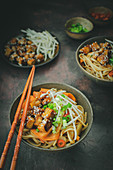 Pad Thai with tofu, carrots, mungbean sprouts and chilli