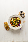 Quick vegetable soup with tortellini
