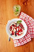 Porridge with apple and berries