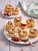 Small wreaths with pudding cream