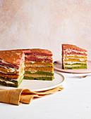 Regenbogen-Pancake-Torte (zuckerfrei)