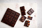 Homemade caramel and almond chocolate (sugar-free)