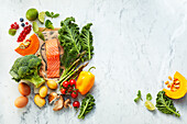 Gesunde Lebensmittel - Obst, Gemüse, Pilze, Fisch und Eier