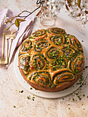 Tonka yeast buns with pistachio nuts