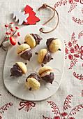 Acorns (Christmas cookies)