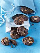 Kakaokekse mit Karamell, Mandel und Banane