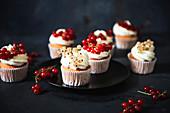 Currant cupcakes