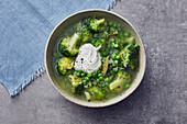 Brokkoli-Erbsen-Suppe
